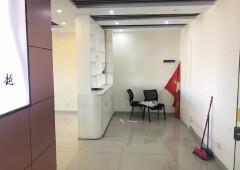 民治地铁口空出楼上299平办公室出租,带精装修、家私齐全