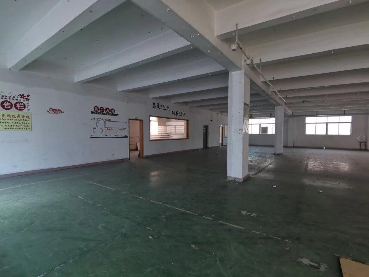 深圳平湖新出独门独院两栋1栋三层6500平米,2栋三层700-图4