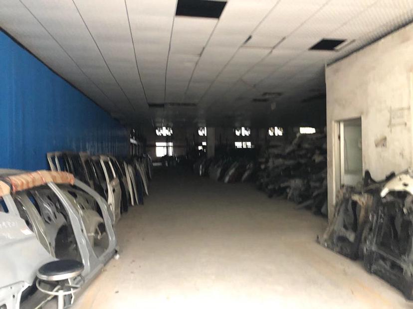 龙华油松新出一楼2500平面积仓库出租,价格实惠