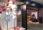 坂田五和地铁口一楼2200平方精装修服装展厅办公仓库出租。