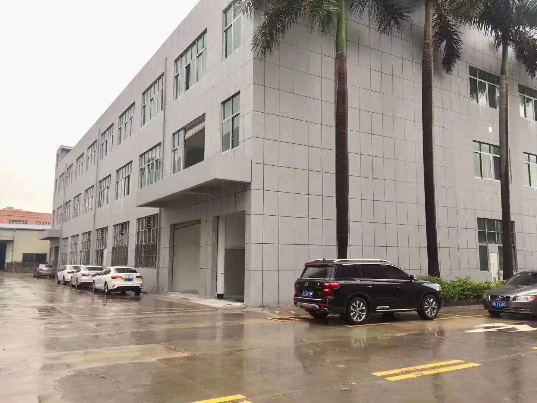 西乡勒竹大型工业园内新出楼上整层1300平米厂房出租可分租,