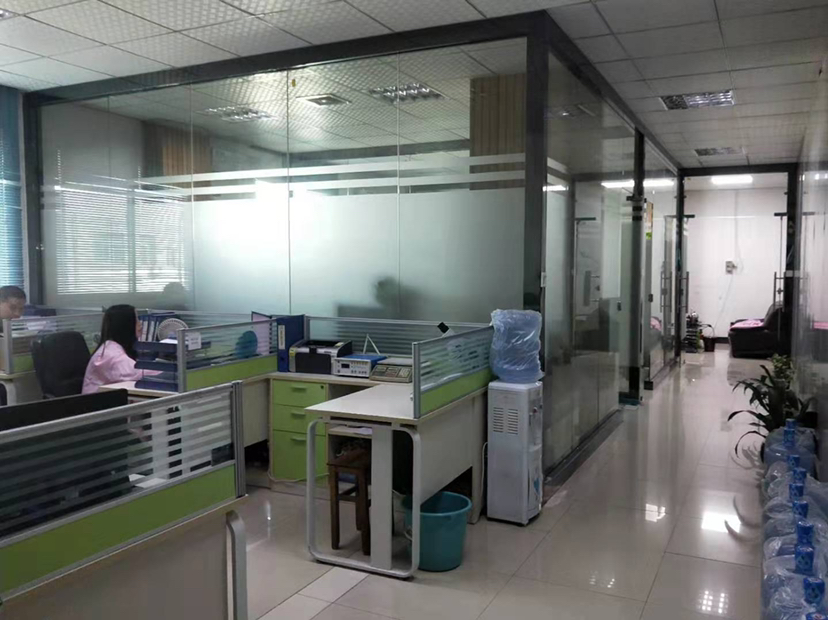 福永镇塘尾地铁站新出1400原房东带办公室豪华装修无转让费