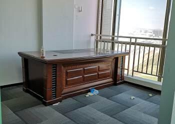 沙井地铁口中小户型办公室面积136平方米,落地窗,楼层高图片3