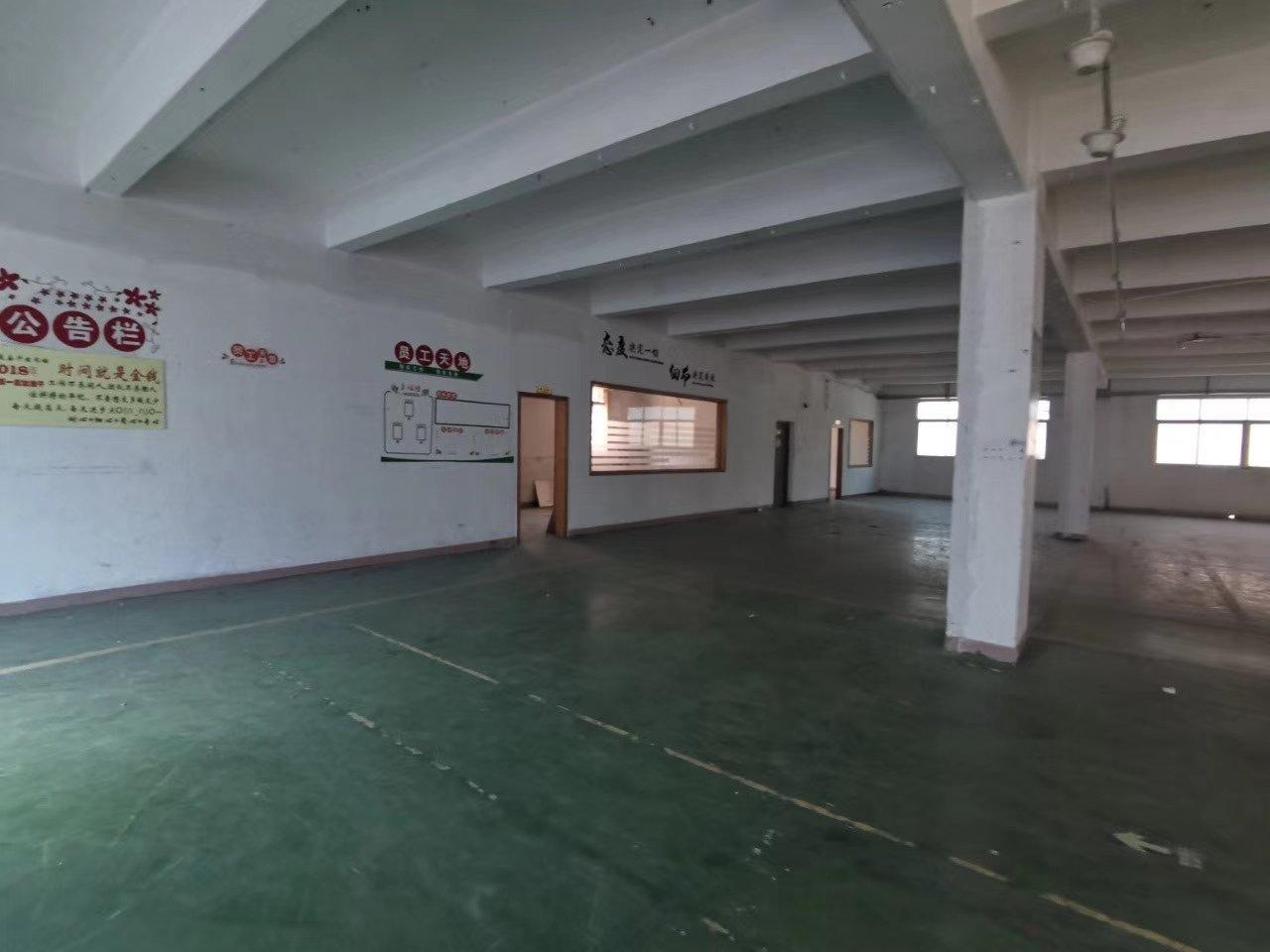 深圳平湖新出独门独院两栋1栋三层6500平米,2栋三层700-图2