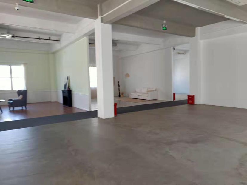 松岗镇中心二楼300平方小面积精装修原房东红本厂房招租国道边