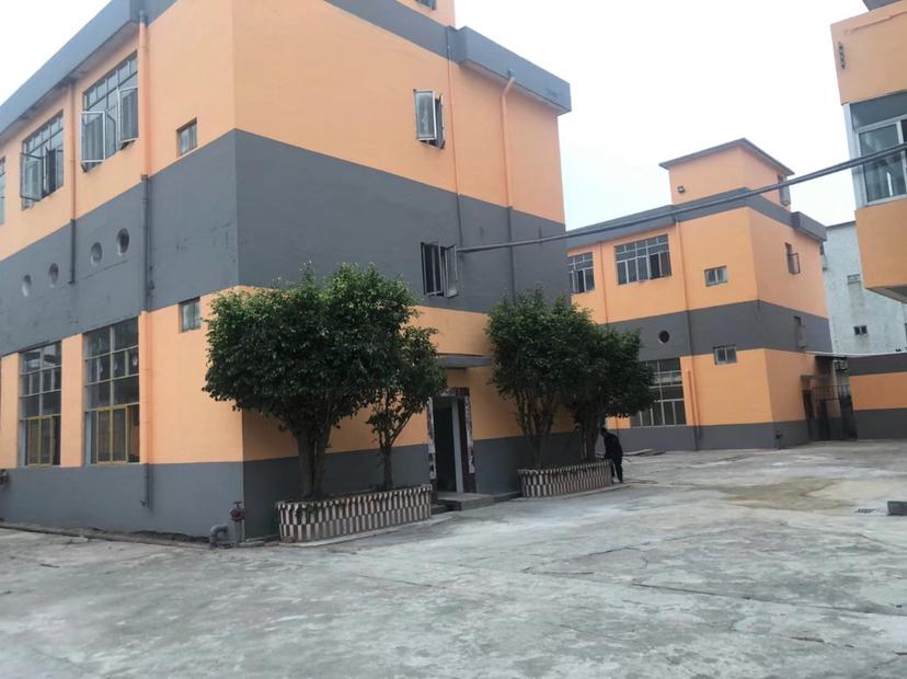 主干道边厂房,单价1500/平方,建筑面积12000平