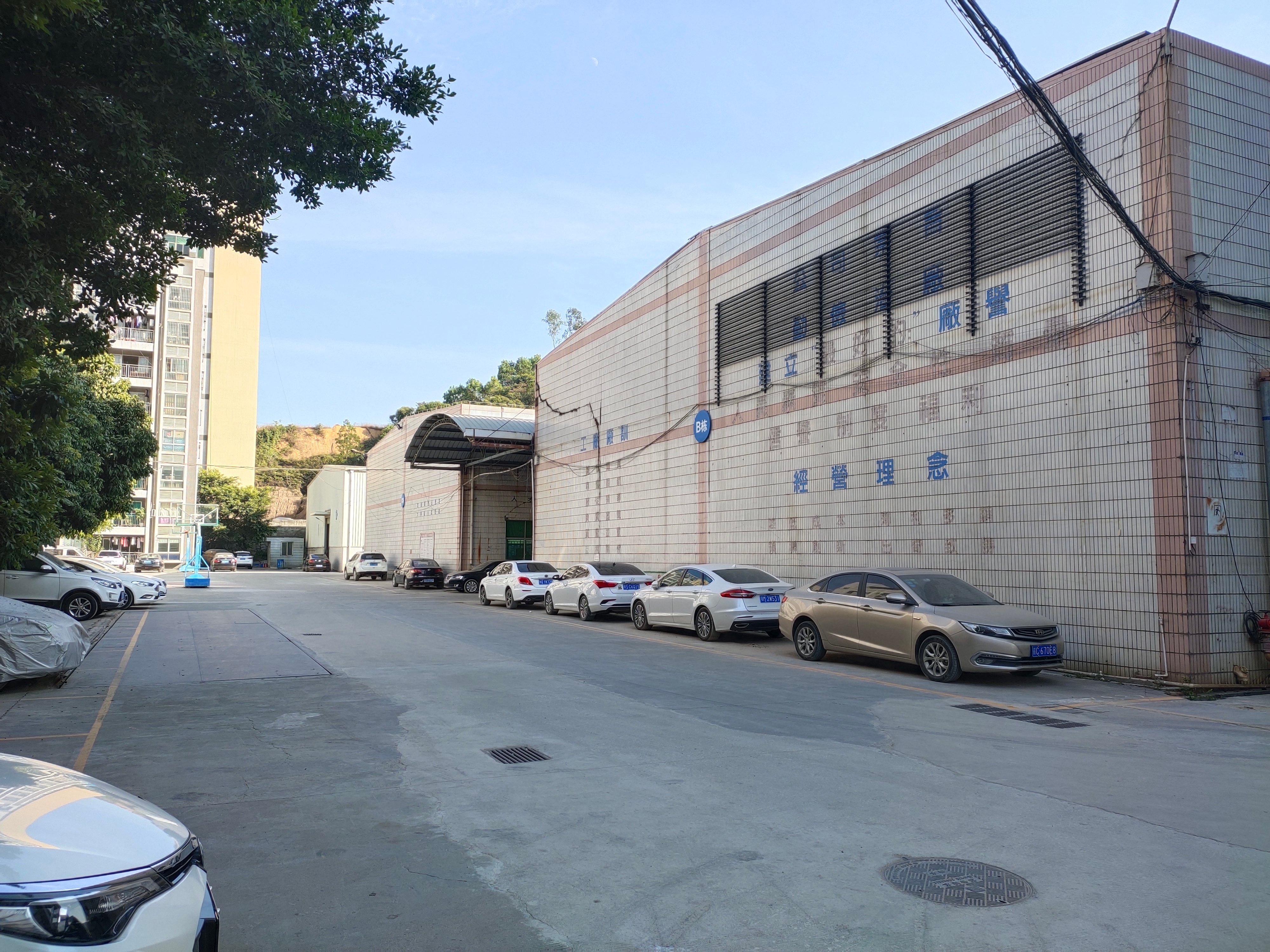 石岩水田高速口红本钢构5000平方厂房出租