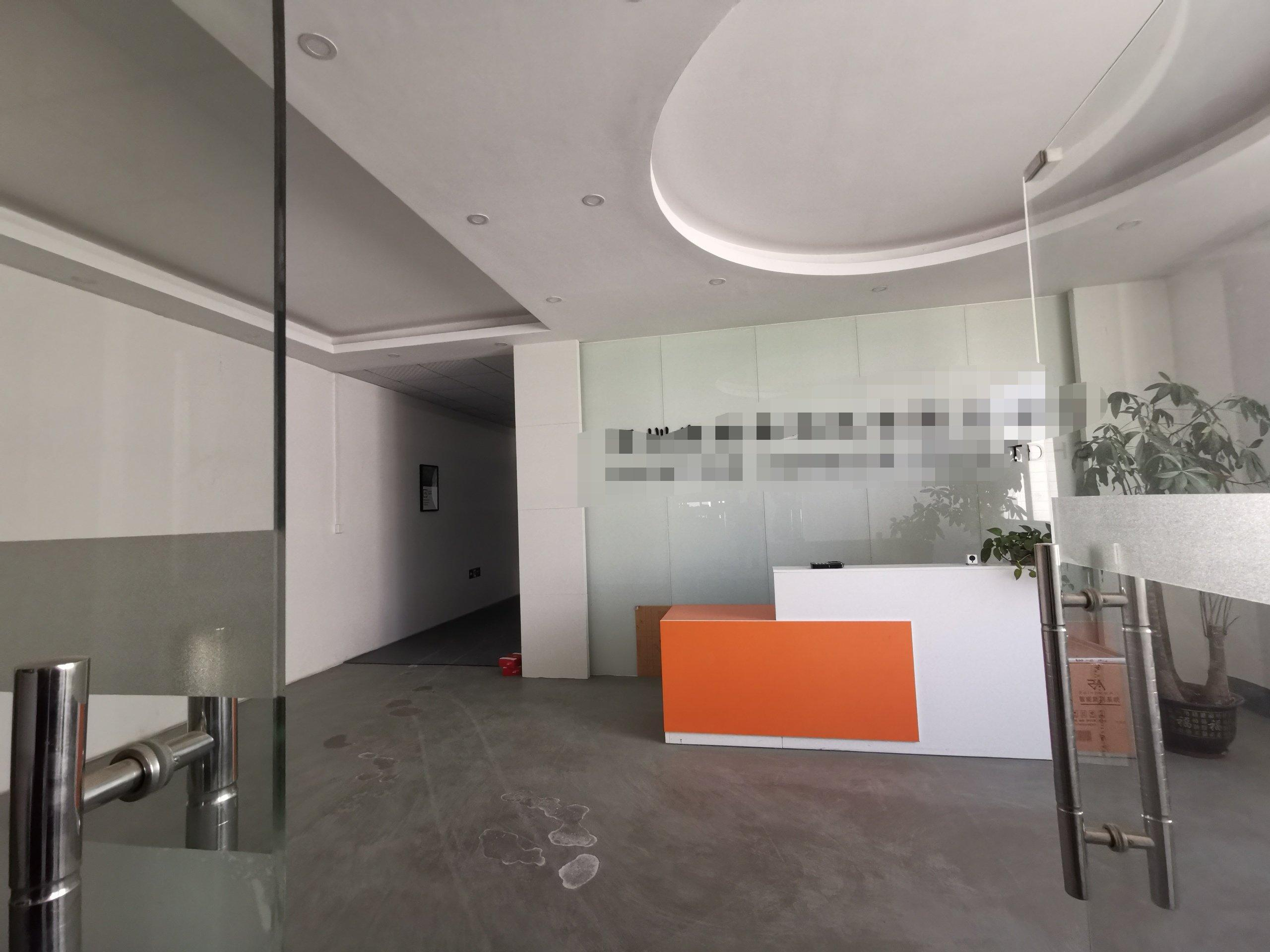 福永新和地铁口边楼上精装修1000平方厂房出租