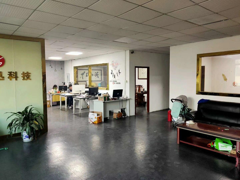 龙华大浪商业中心附近新出楼上精装修办公厂房860平