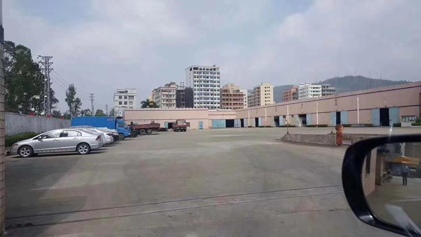 石岩龙大高速出口新出独门独院钢构仓库出租5000平空地超大