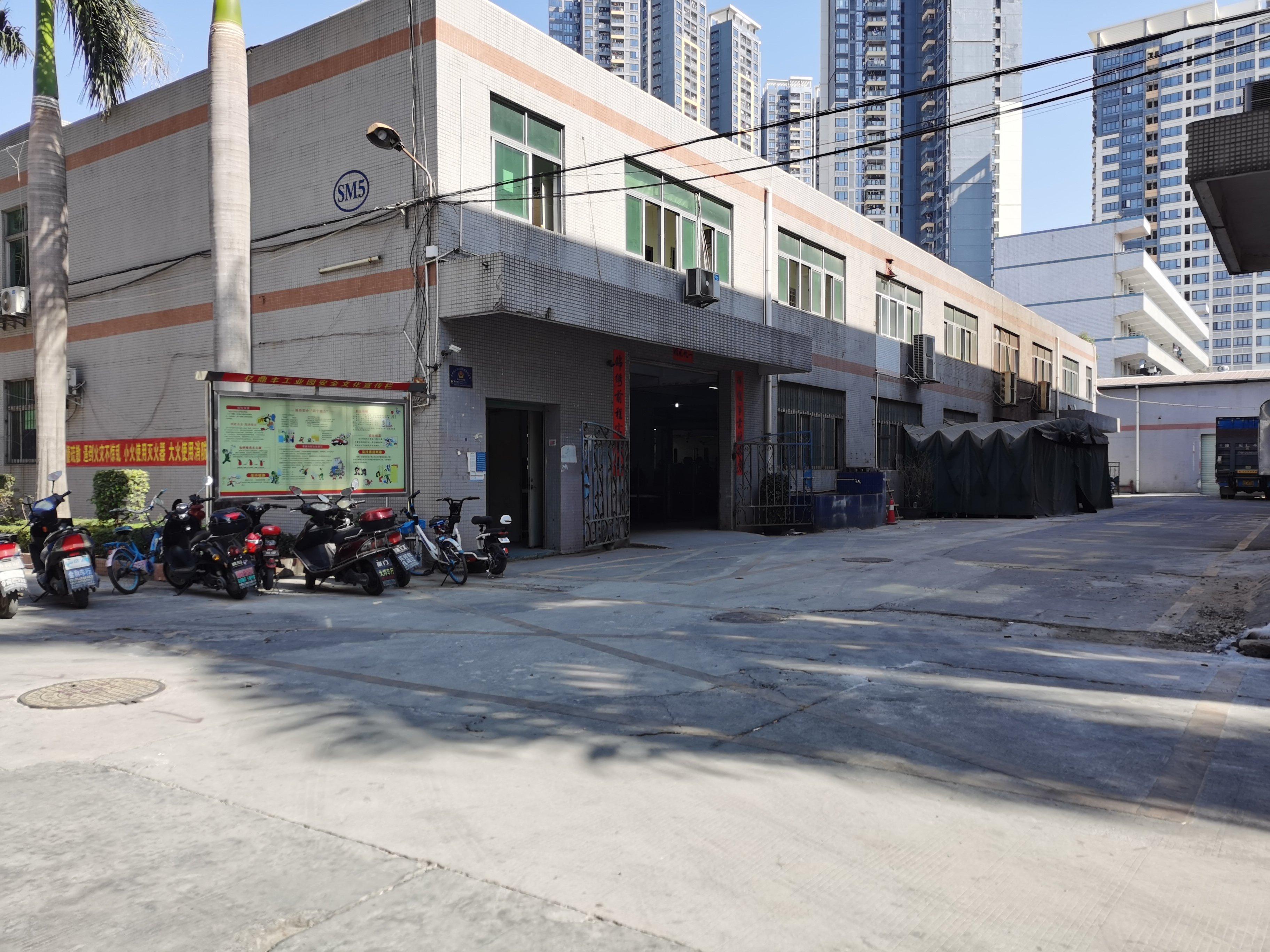 公明将石南环大道边独栋厂房仓库2400原房东实际面积出租