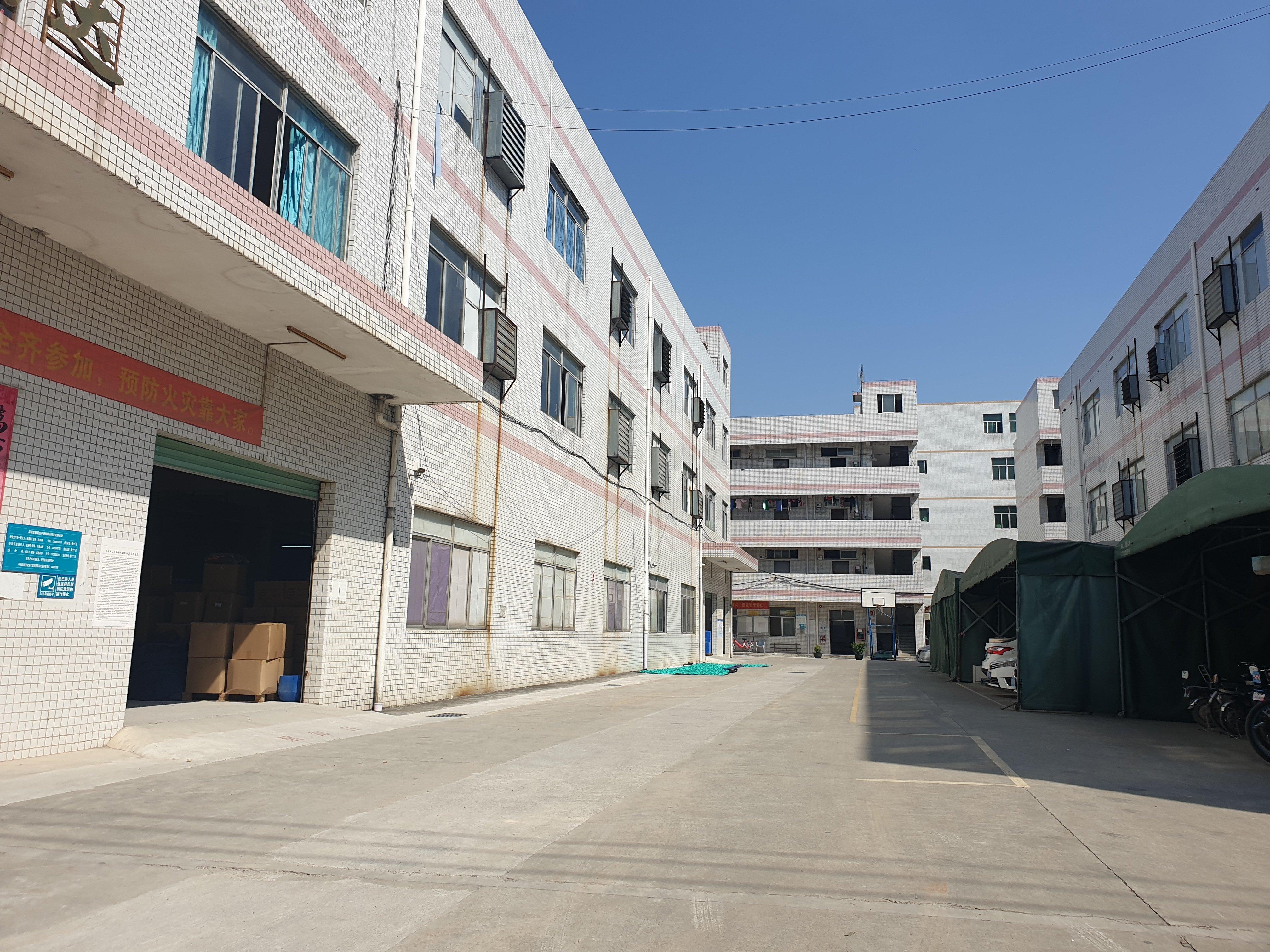 深圳市经典小独院厂房出售占地面积4200平建筑5000平