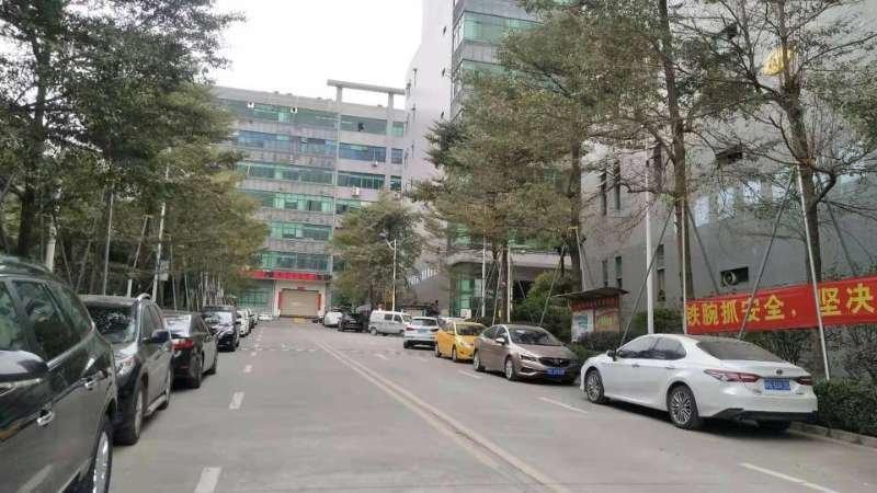 龙华大浪商业中心旁边大型工业园三楼1650平方精装厂房