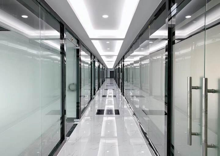 布吉丹竹头地铁站300米精装修办公室126㎡出租2+1格局可图片1