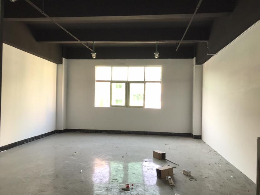 固戍地铁口650平精装厂房,适合贸易办公、仓库、研发