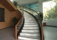 凤岗镇独栋办公楼1/3层300平