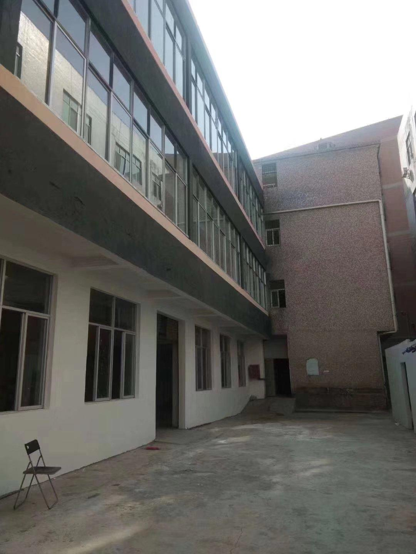 横岗沙荷路边新出小独院厂房二楼700平实际面积招租18元每平