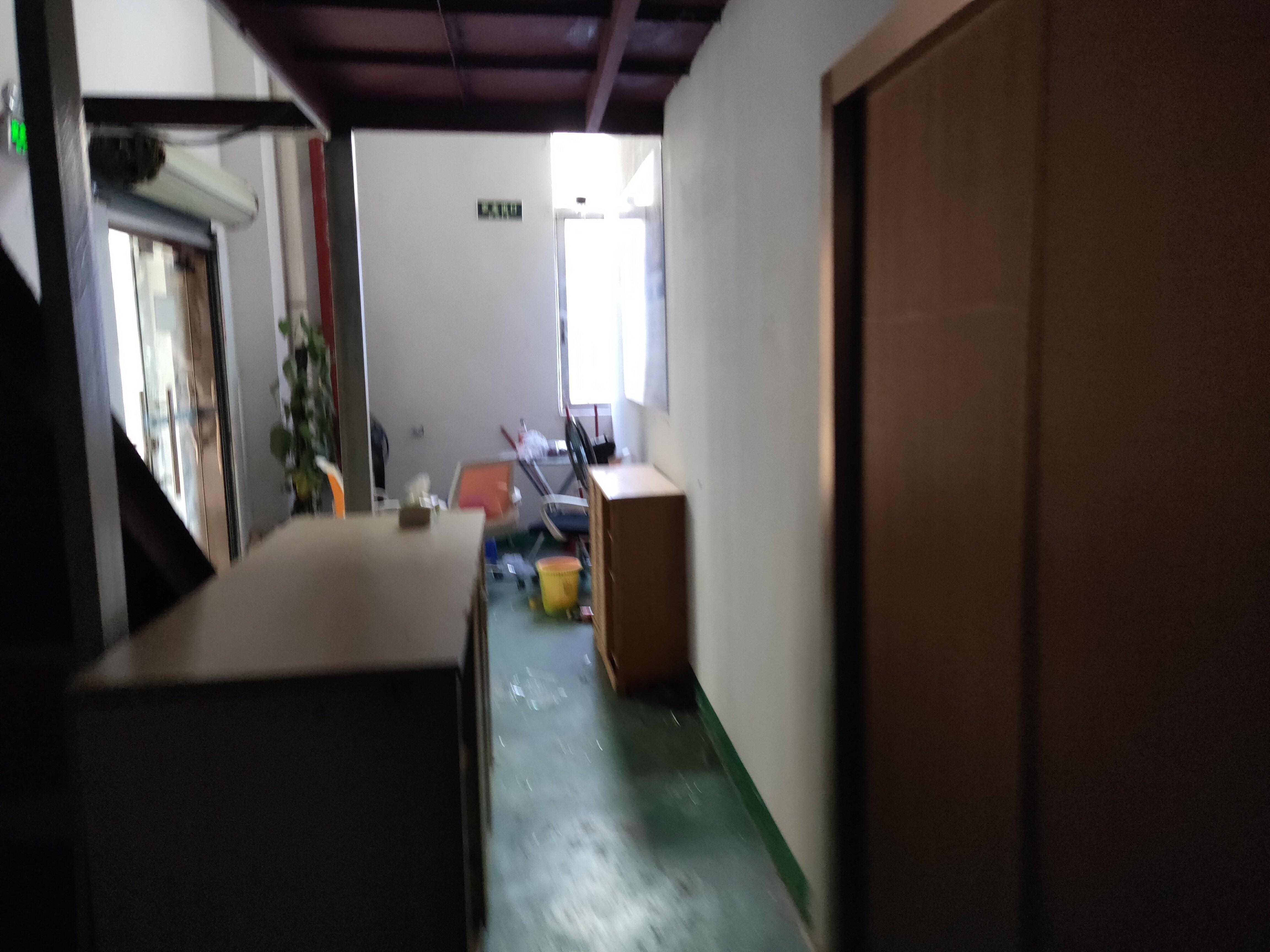 观澜樟坑径新出一楼450平价格28块,带阁楼办公装修