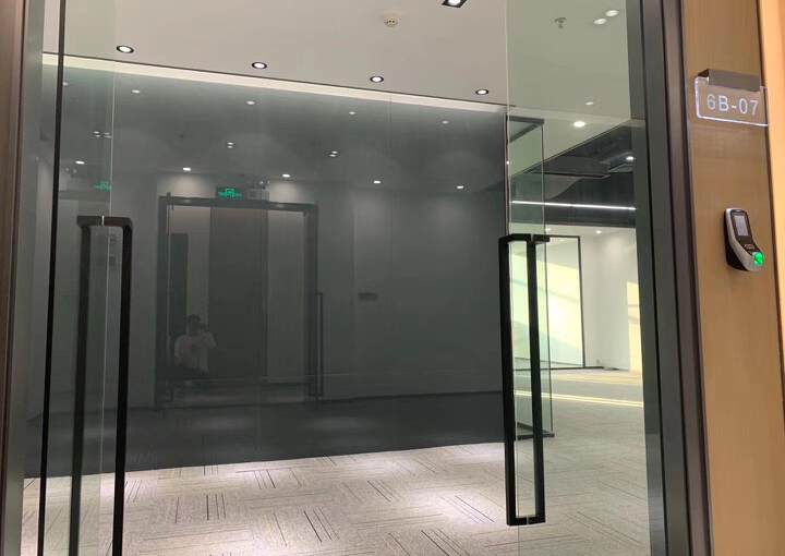 布吉丹竹头地铁站300米精装修办公室126㎡出租2+1格局可图片3