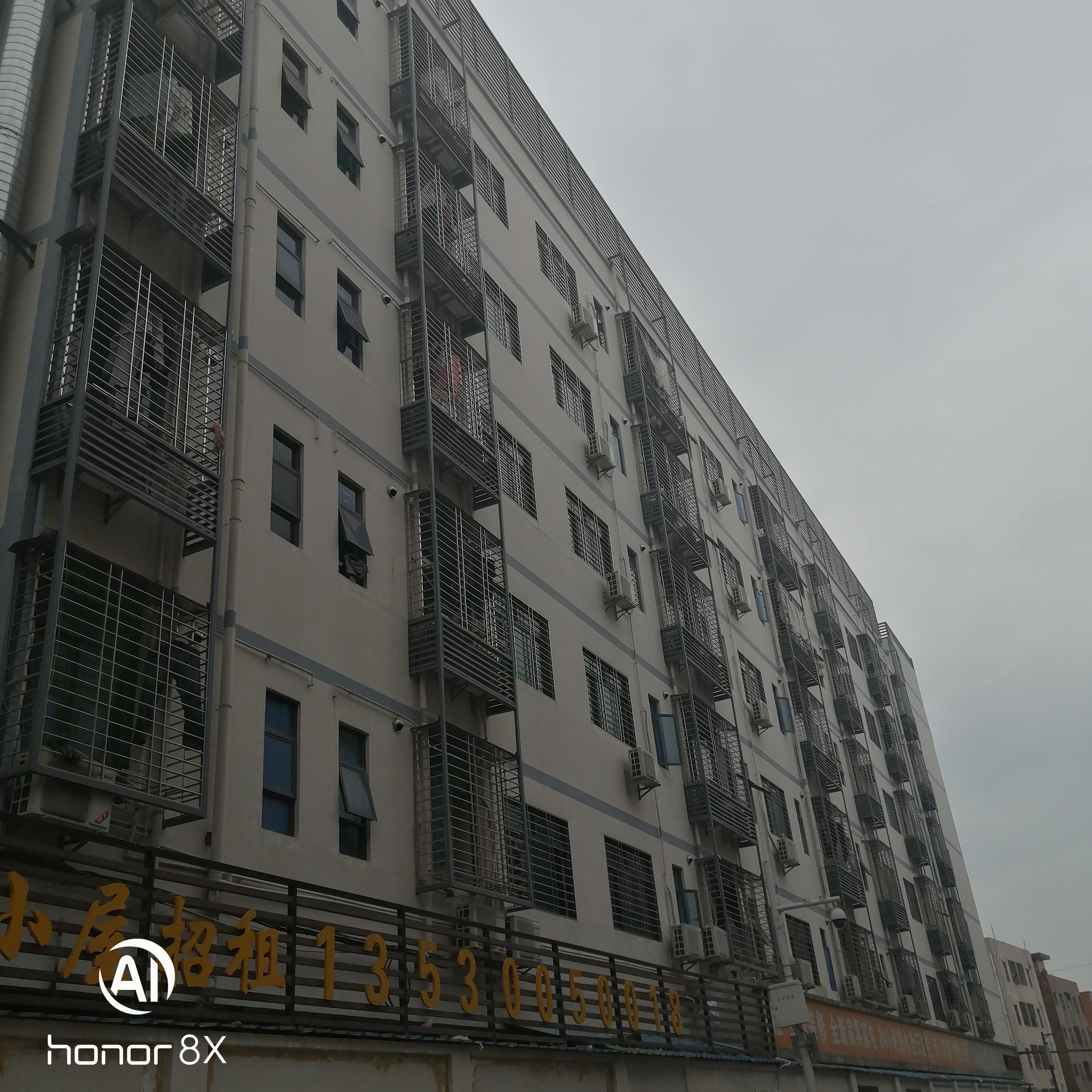 横岗荷坳新出独院楼上带装修厂房1200平出租只要16元每平米