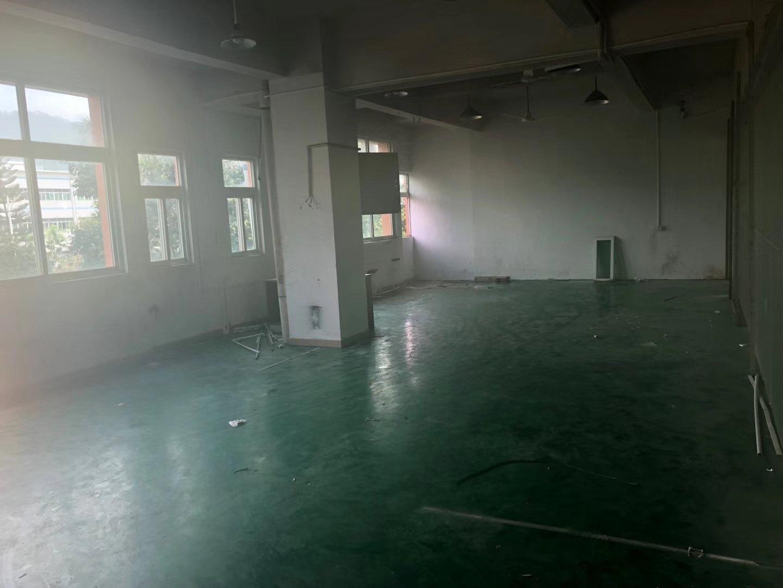 平湖华南城地铁口小面积楼上厂房仓库328平出租