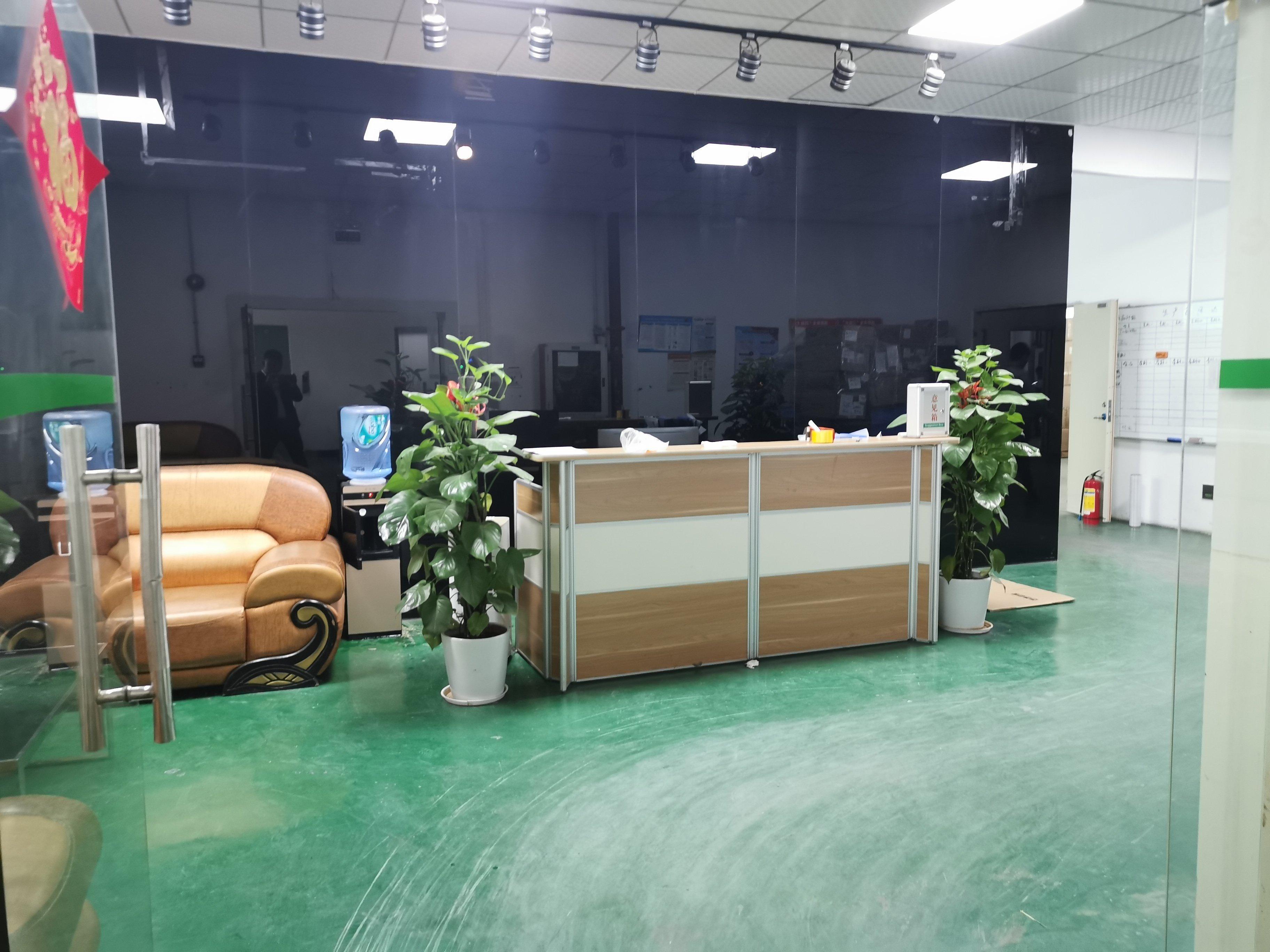 公明上村莲塘工业区3楼1450平方,现房,租金16