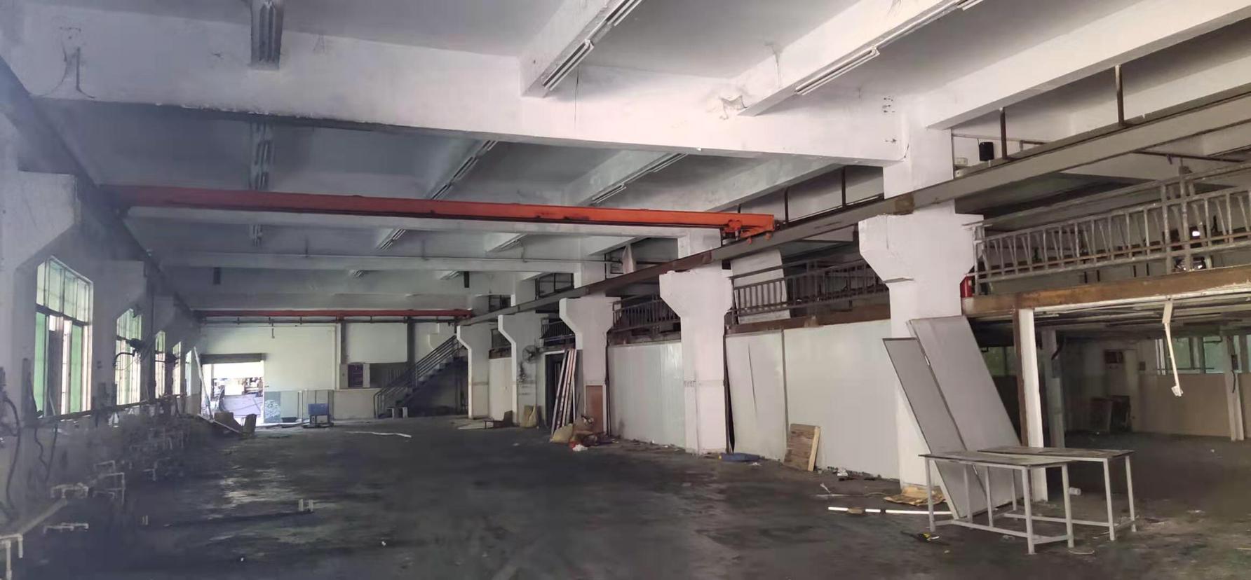 石排镇原房东重工业厂房滴水9米面积1500平米出租