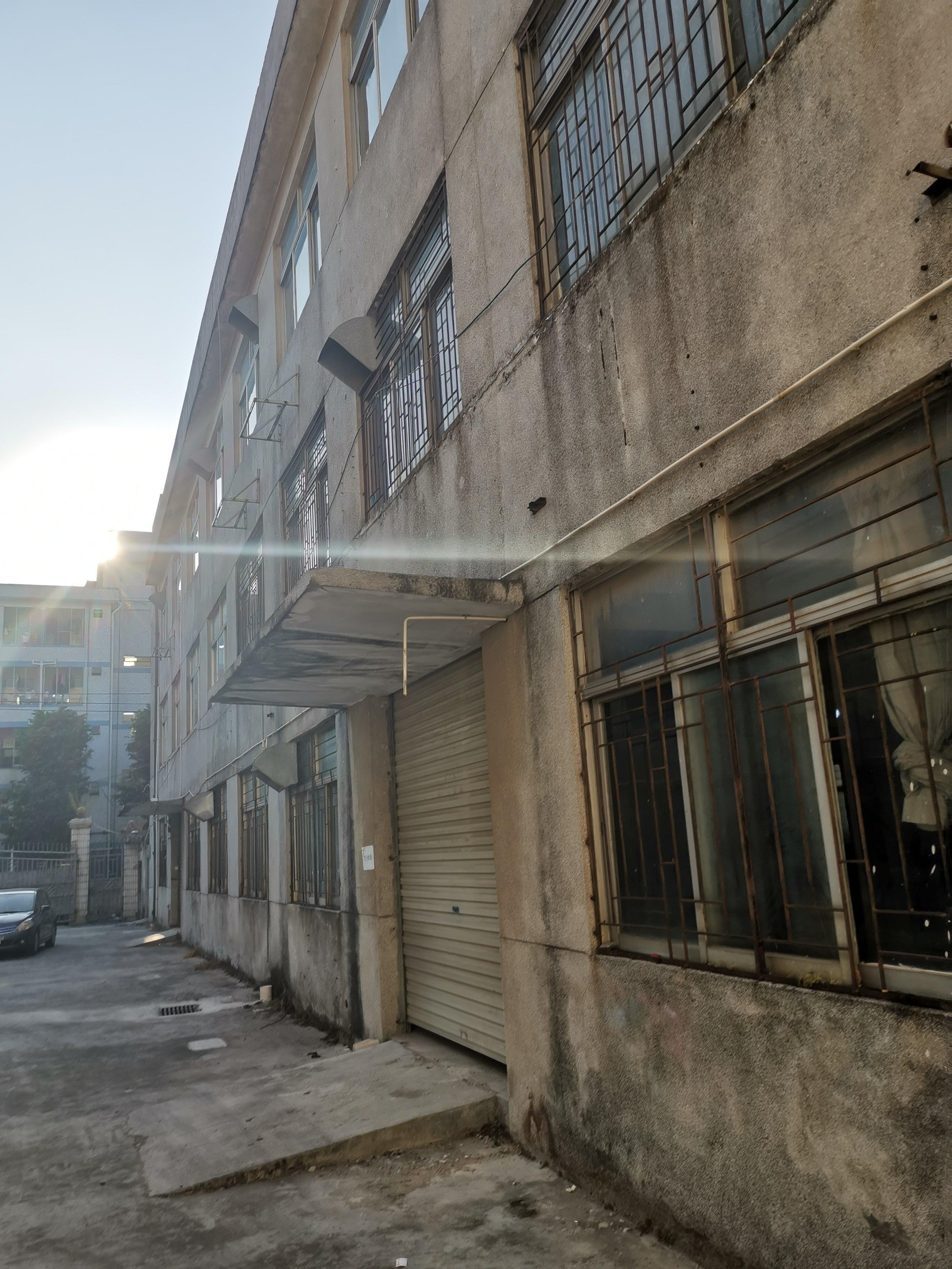 深圳红本厂房,占地2000建筑5400,售价3700万