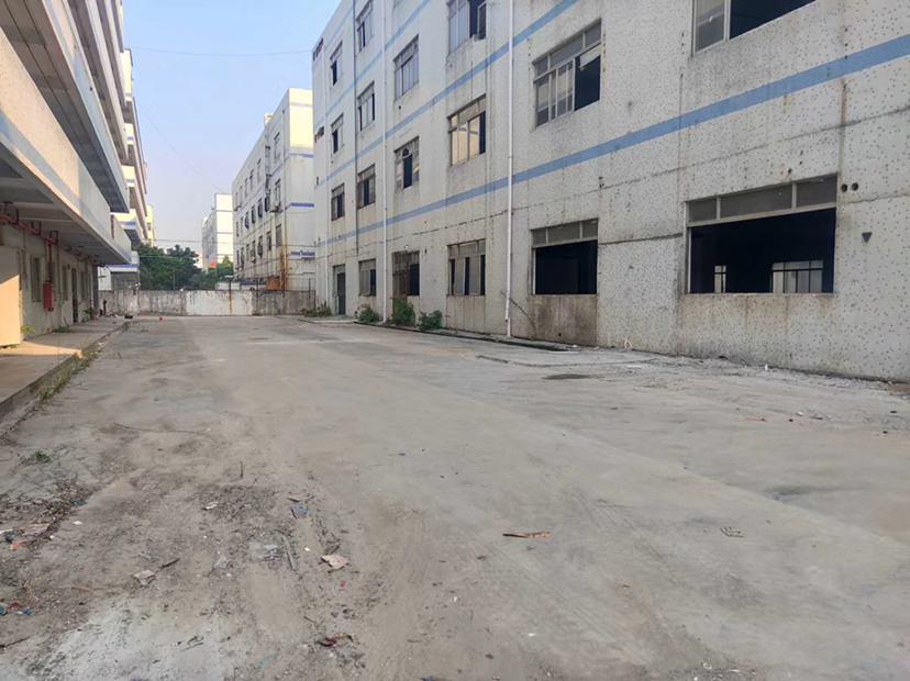 福永新和安安大道边一楼300平米物流仓库出租,空地大