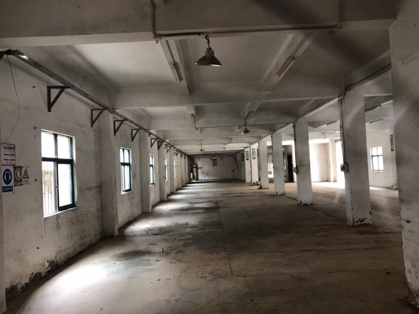 龙岗大工业区厂房890平米出租