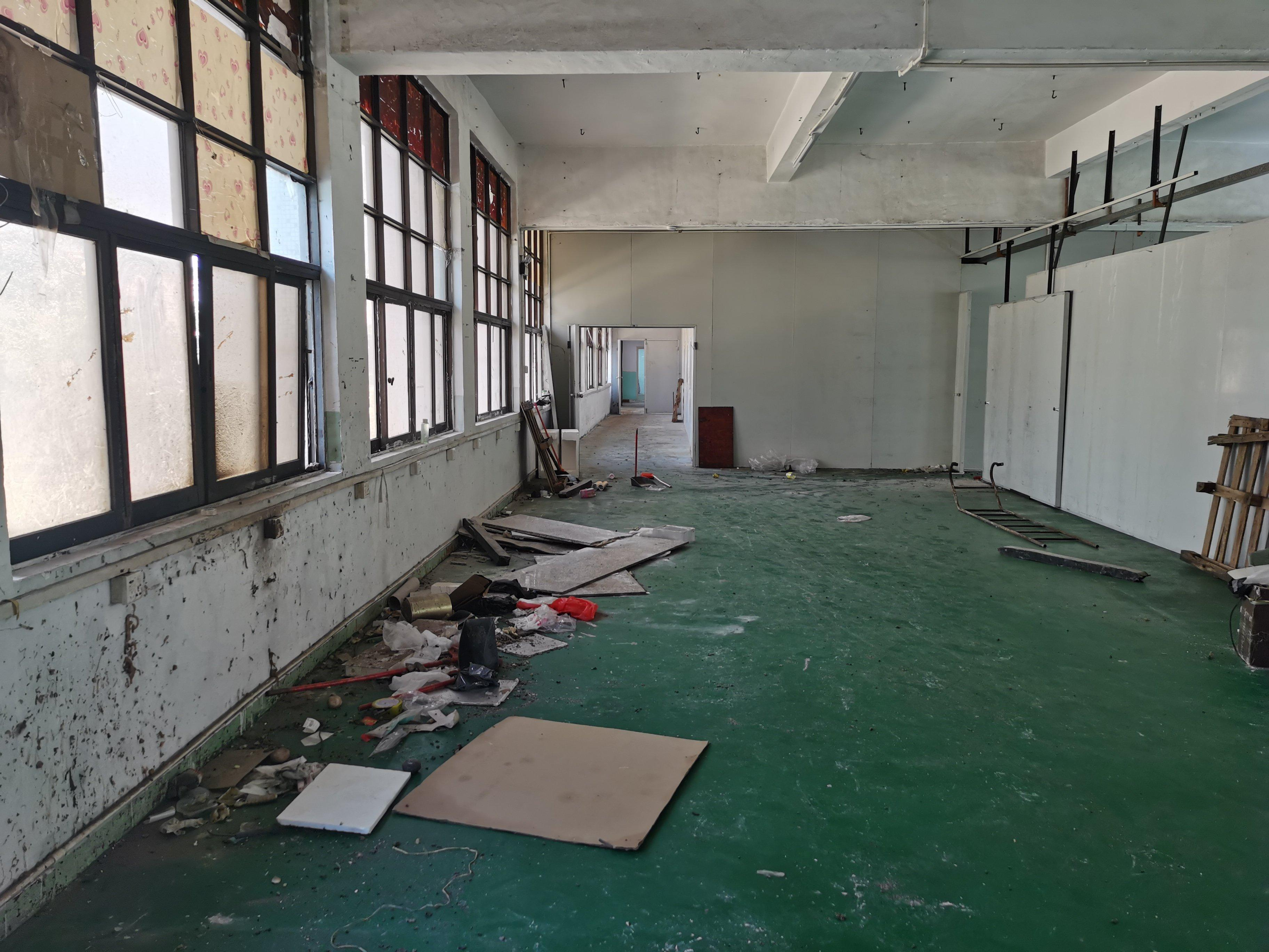 樟木头镇裕丰管理区新出楼上标准厂房580平方,现成办公室装修