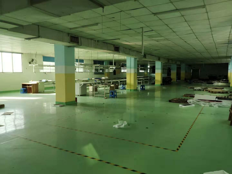 宝安福永宝安大道旁楼上整层1200平,现成装修水电到位。
