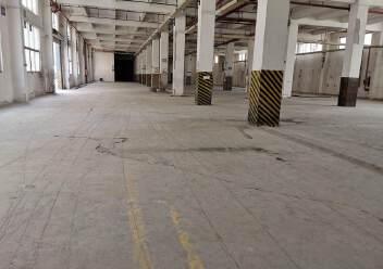 观澜地铁口红本厂房1-4层9800平方价格26块,一二楼6米图片3