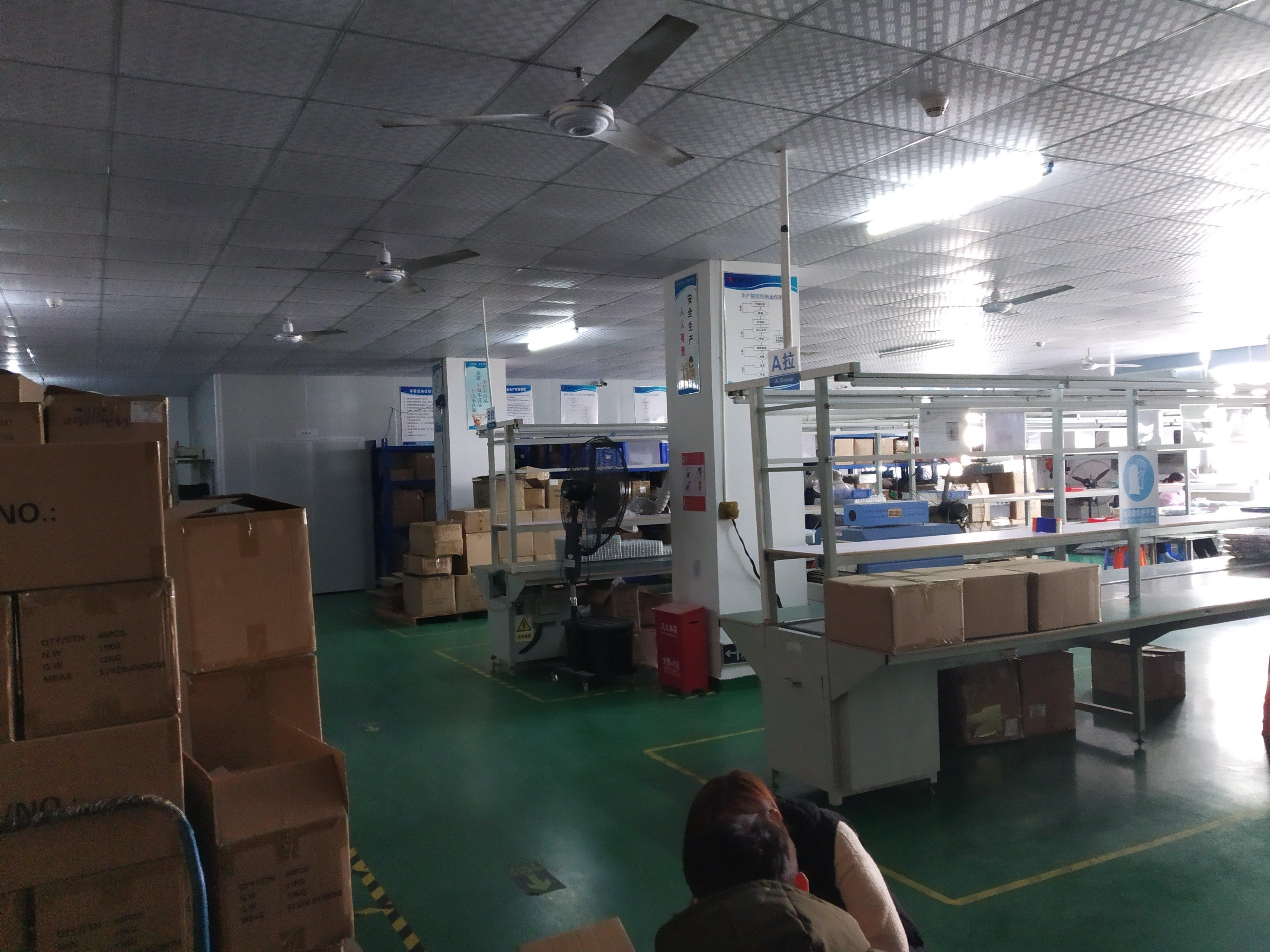 龙华龙胜地铁口和平路楼上新出750平标准厂房格局精装修-图3