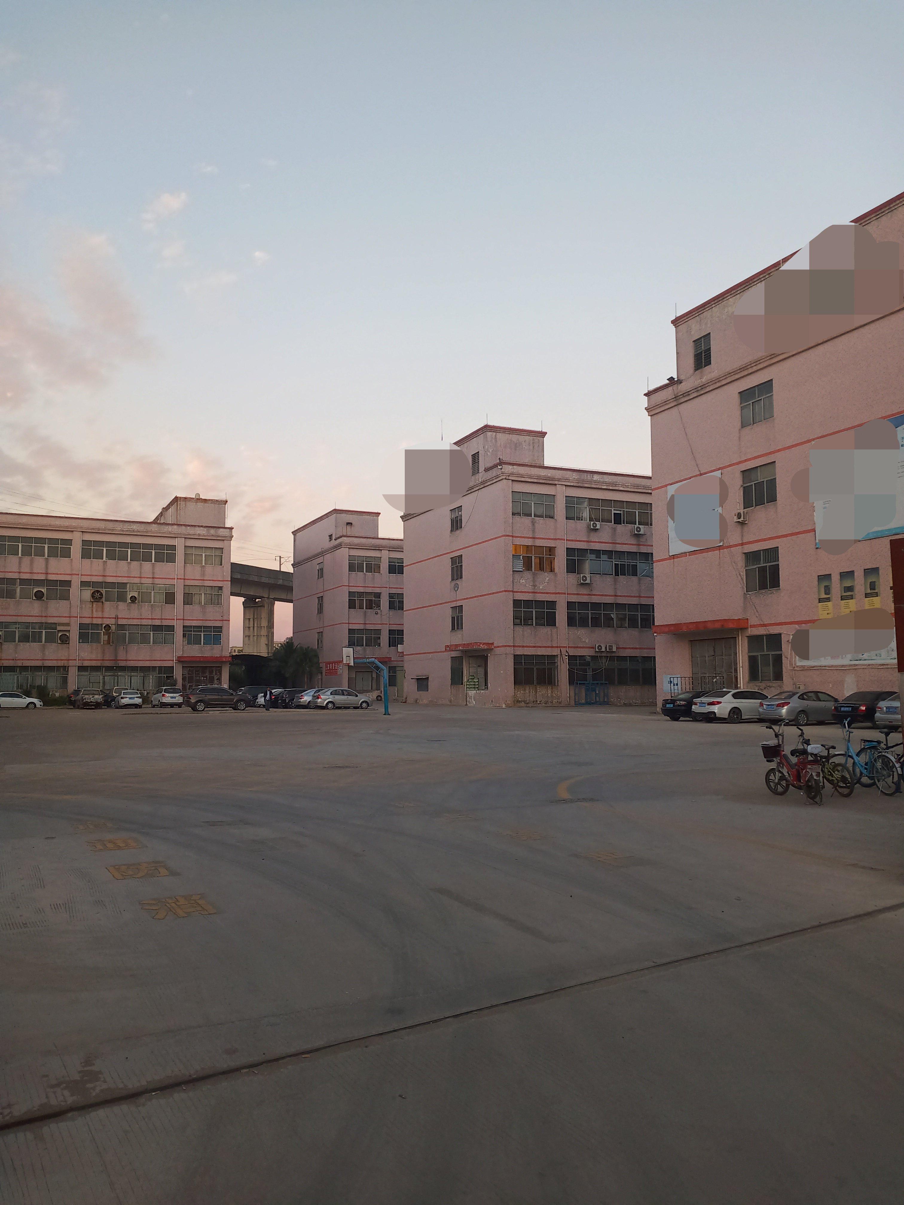 龙岗同乐大工业园楼上新出1680平带办公室装修厂房出租空地大