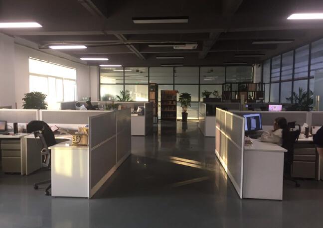 松岗罗田高速路口新出村委厂房实际面积出租2000平方!