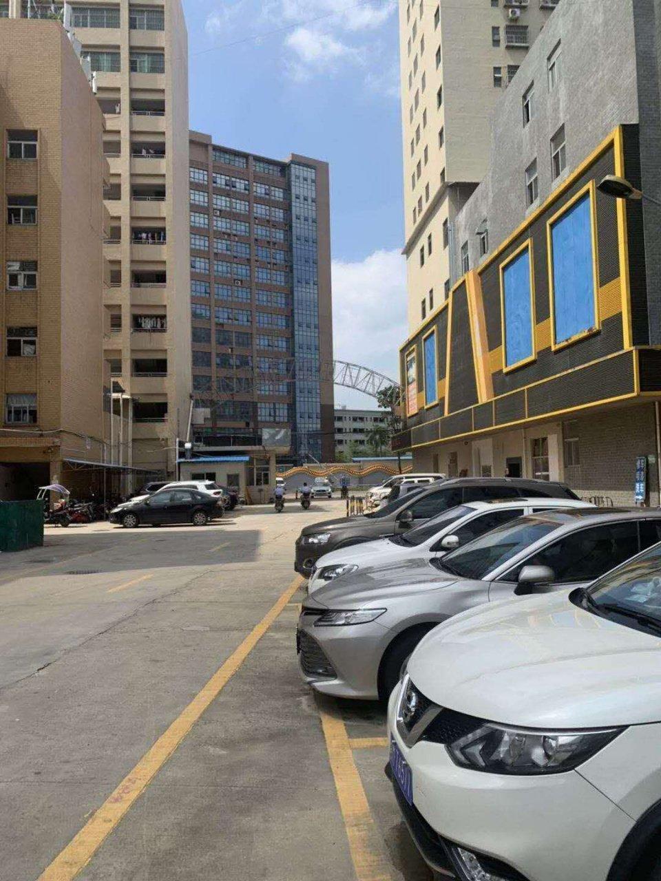 深圳市光明新区红本办公室精装修地坪漆楼上800平米厂房出招租