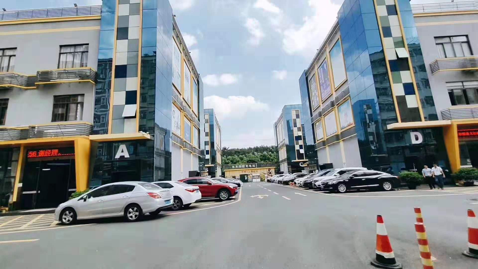 龙华高速路口旁新出带精装修厂房550平米出租,可办环评