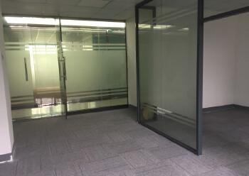 坂田地铁口一百五十米精装写字楼95平图片3