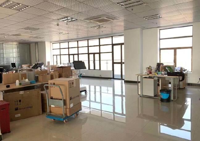福永大洋田楼上1600平米豪华装修厂房免费用,无转让费