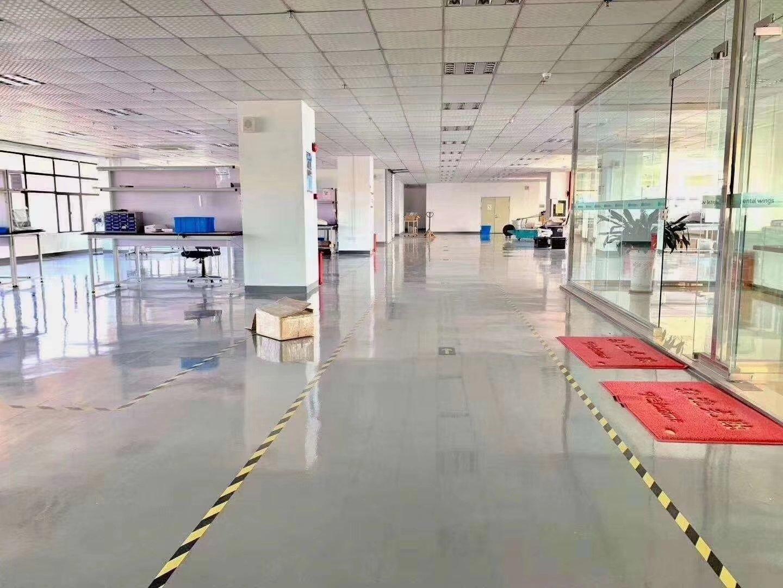 福永桥头地铁口边新出精装修1500平方厂房出租
