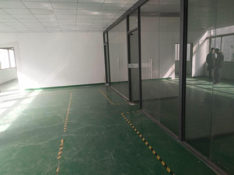 福永107国道边上新出楼上500平方厂房出租,带装修。