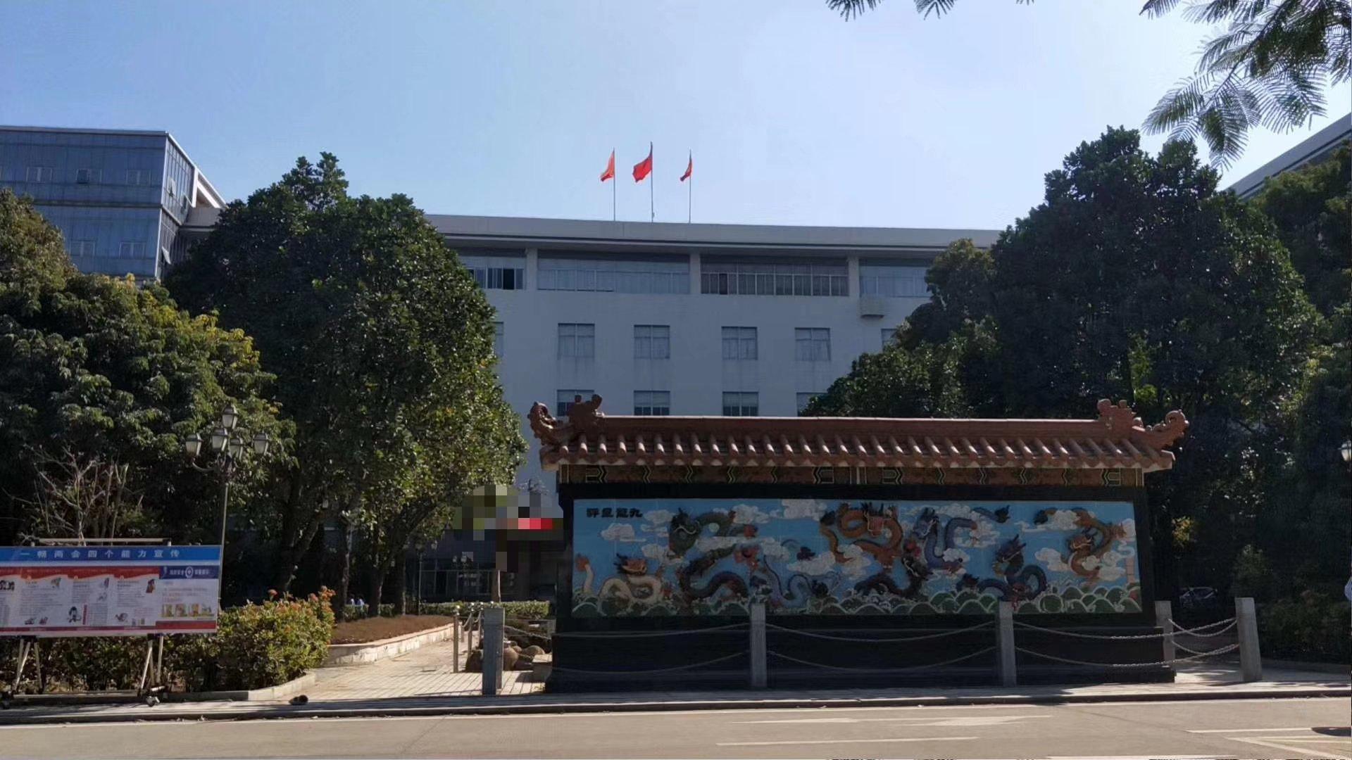 深圳市松岗罗田原房东高新产业园新出二楼2700平米厂房出招租