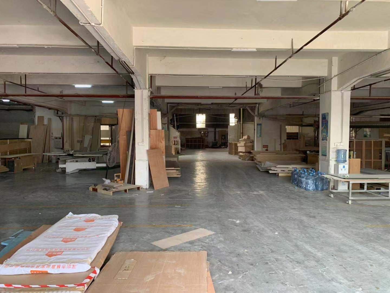 一楼厂房1500平,另楼房1-2层2500平实际面积滴水8米