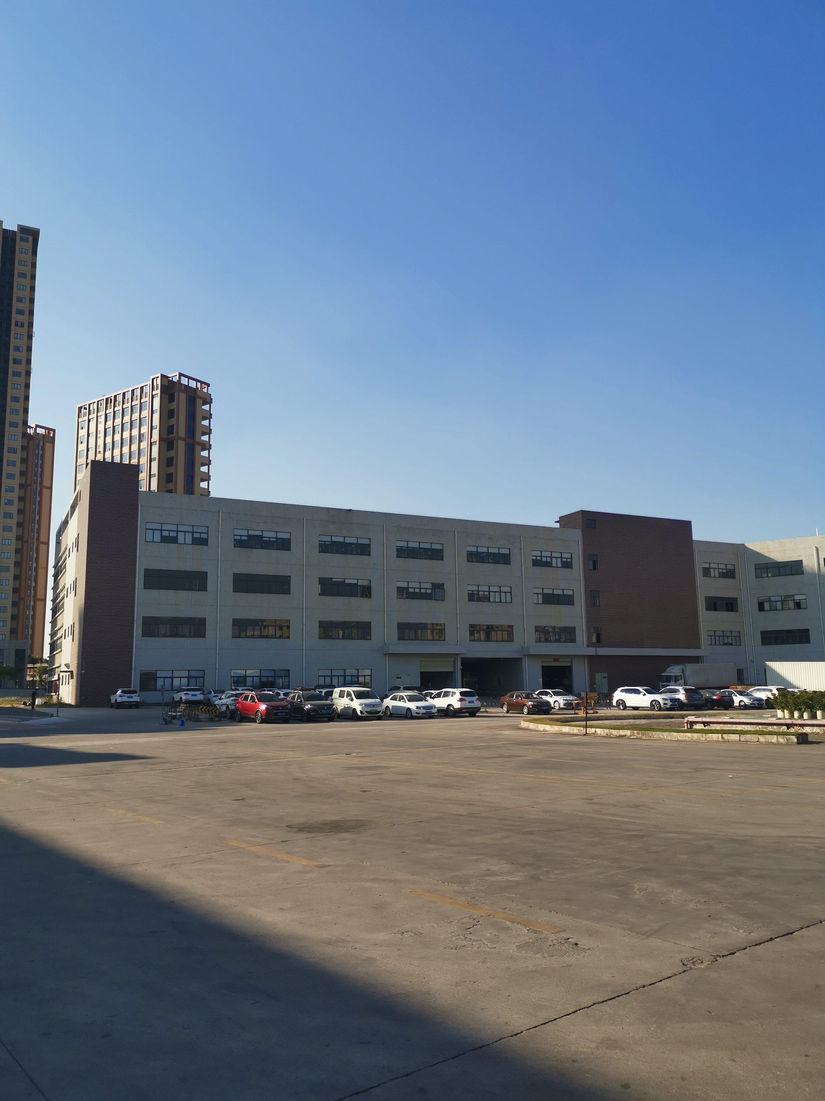 深圳高速路口红本厂房8300平米,售价4800万