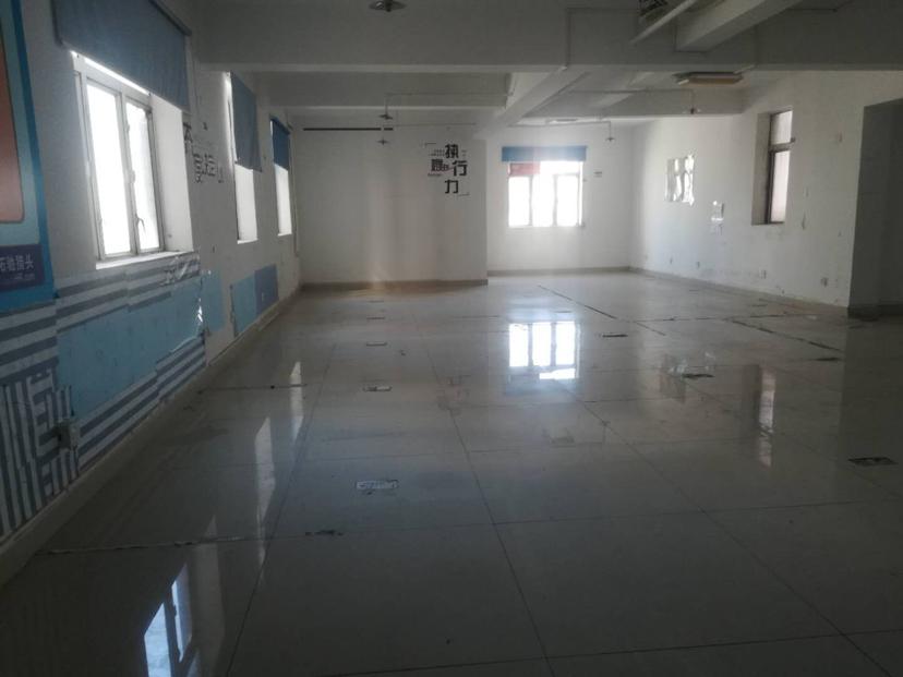 宝安区松岗建筑695.63m²国有证厂房出售