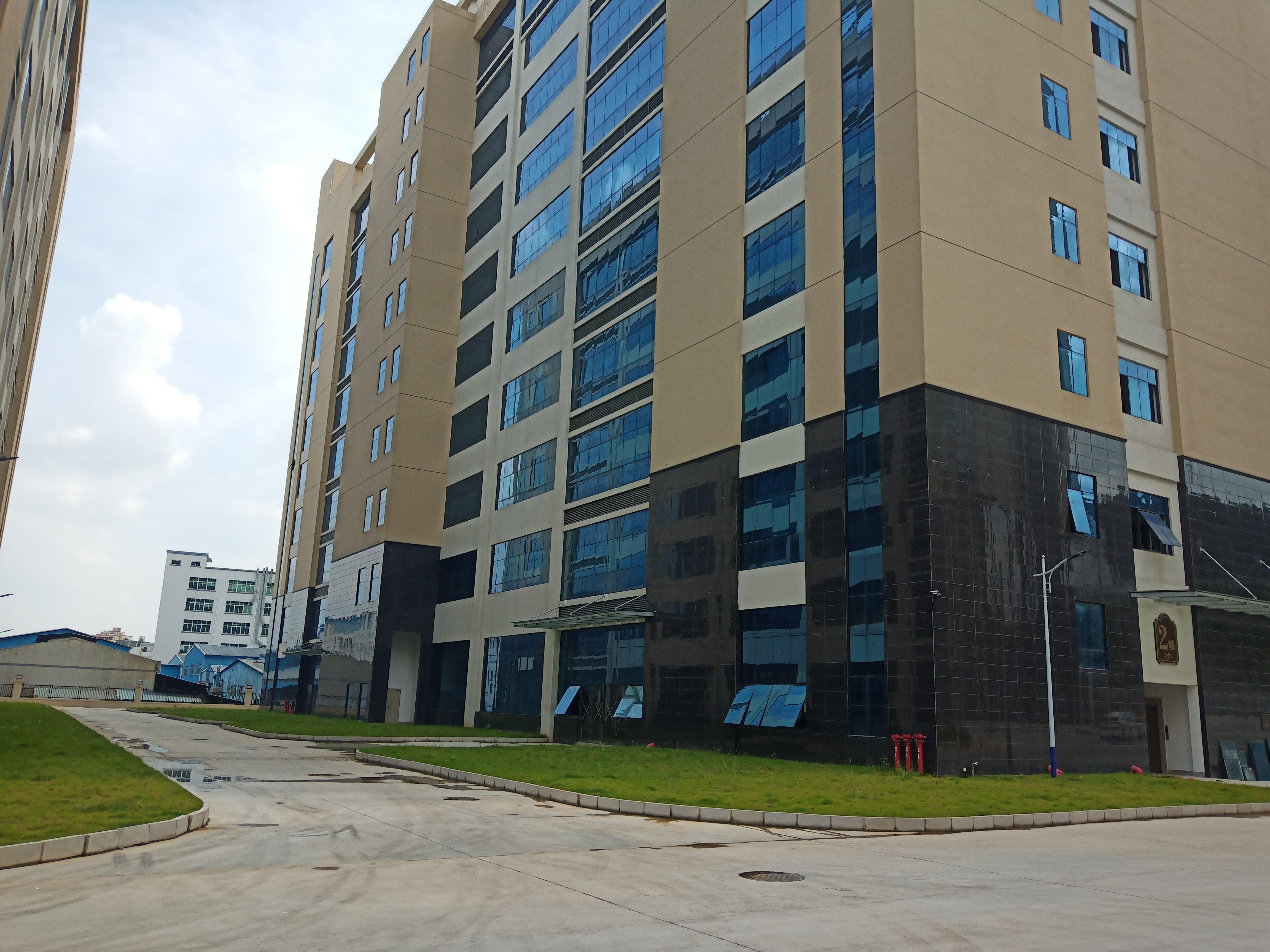 平湖地铁口附近高新技术园区厂房写字楼仓库2万平招租可分租