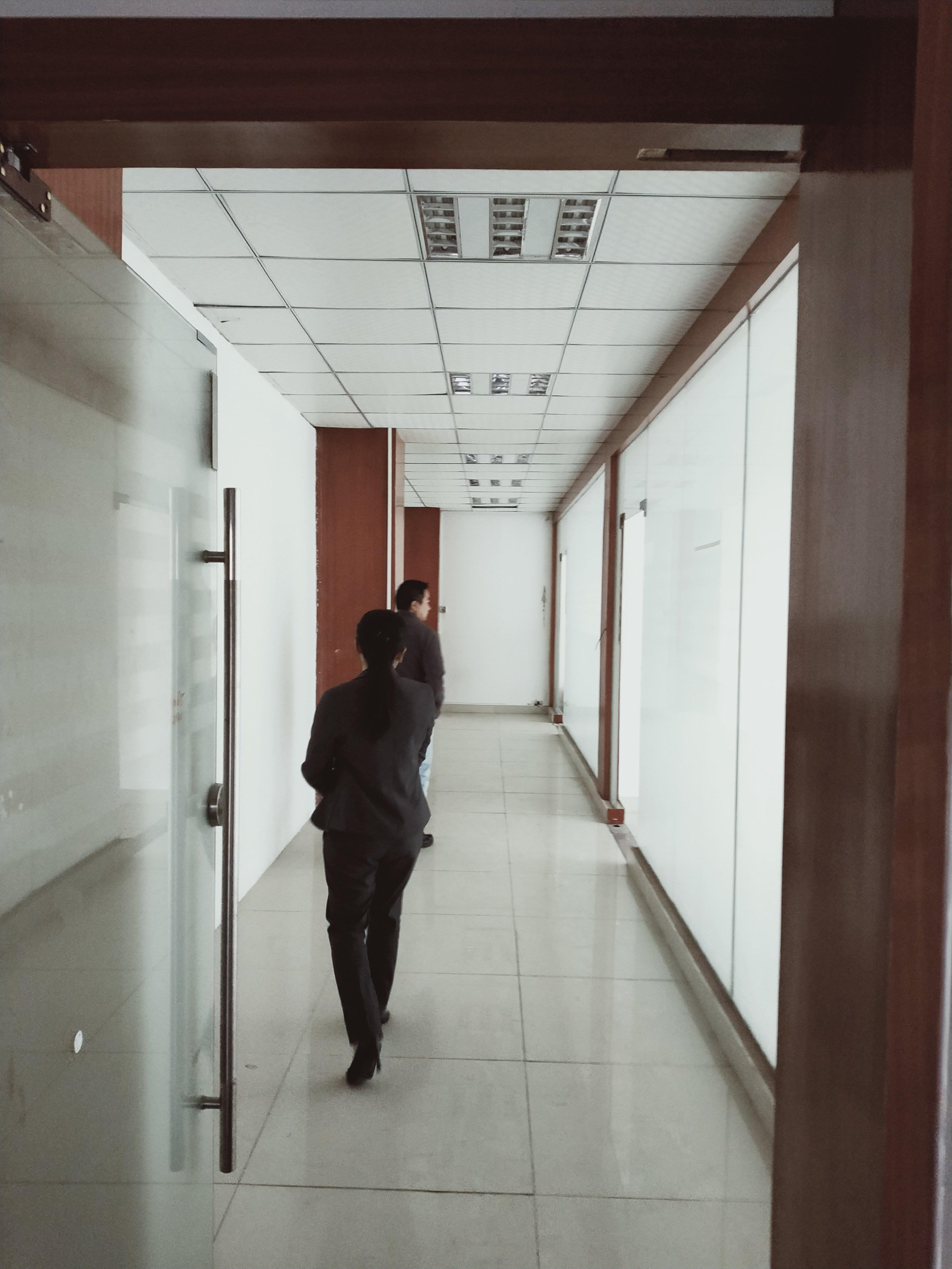 光明新区长圳社区花园式工业园区4楼2980平方带装修出租-图2
