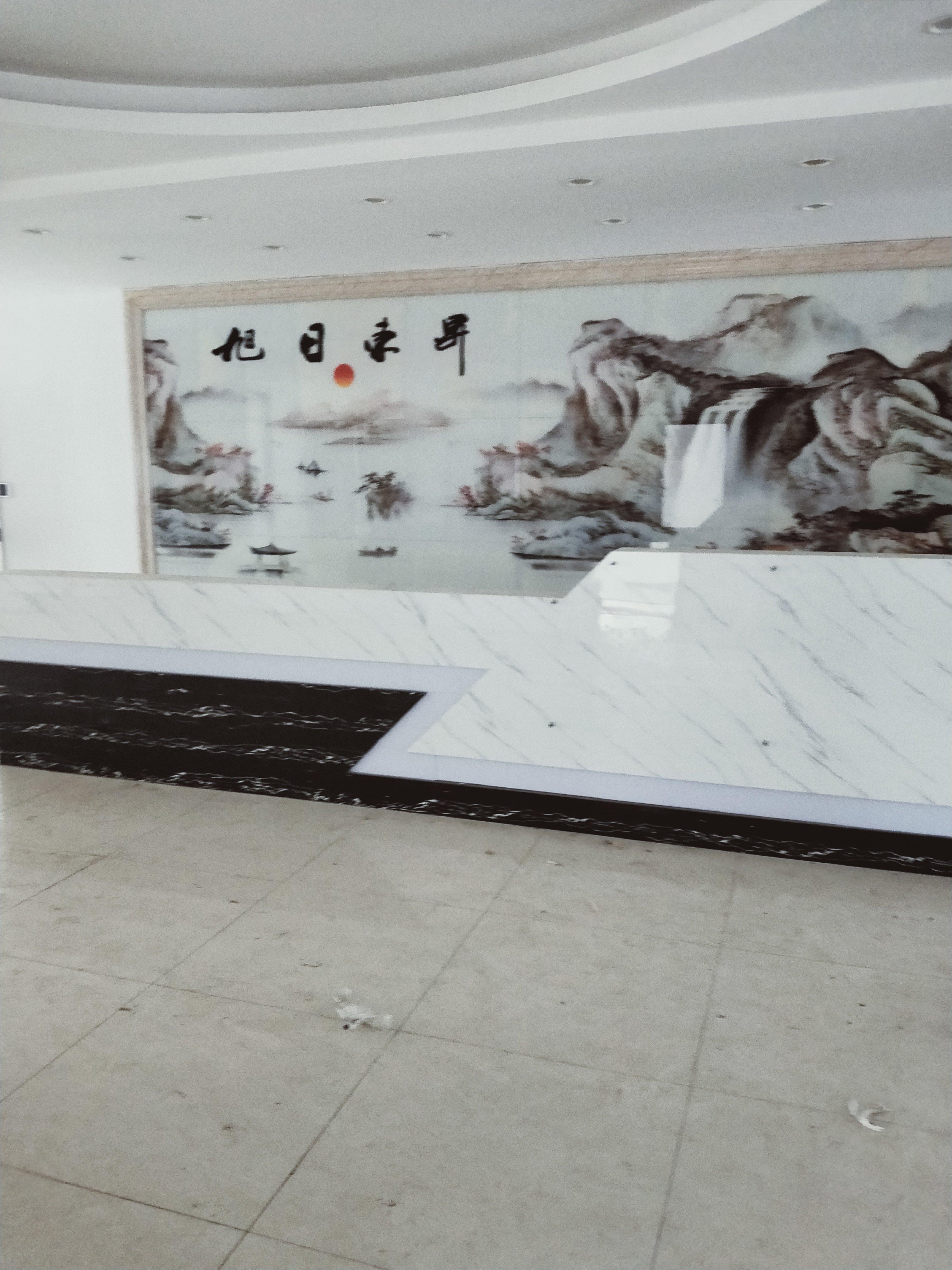 光明新区长圳社区花园式工业园区4楼2980平方带装修出租