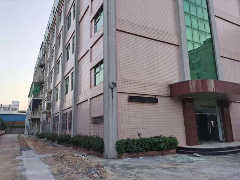 凤岗五联惊现原房东楼上1200平,带装修
